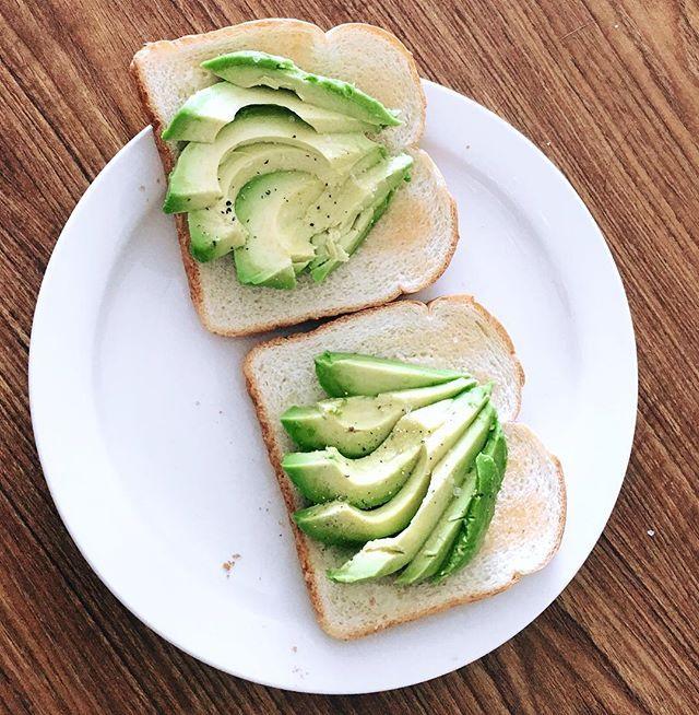 '• Simple is better 🥑• ----------------------------------------------#foodie  #toronto_insta #avocado #foodporn #lovetoronto #foodietoronto #vscocam #torontofood #brunch #avocadotoast #blogTO  #explorecanada  #exploreeverything #hypetoronto #sweettooth #photography #way2ill #toptorontophoto #travelblogger #TorontoTravels #narcitytoronto #photooftheday #instagood #foodielife #likeforlike #food #foodography #foodiegram #foodbaby #instagram' by @hungryy.unicorn. What do you think about this…