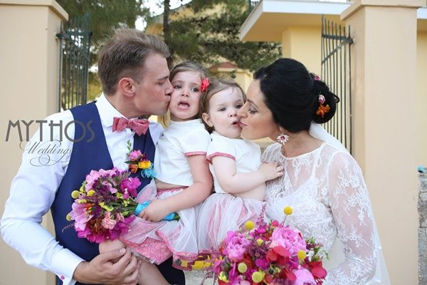 Love this photo - happy family - bride & groom with their angels #weddingphotos #weddingingreece