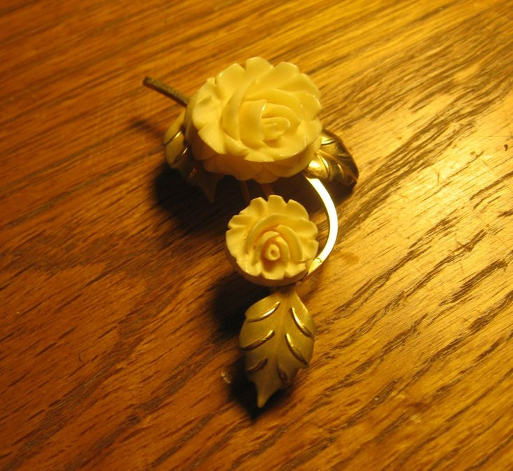Vintage Cultra 14k GF Carved Cream Rose Brooch by Oliviarosestone on Etsy