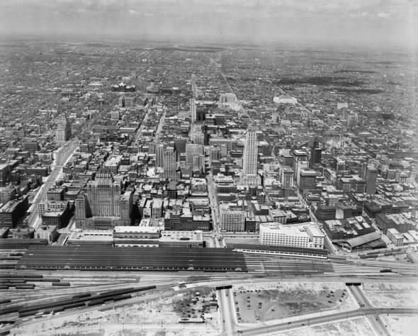 Norm Kelly @norm Aug 14 #ThrowbackThursday of Downtown Toronto in 1932. #TOpoli