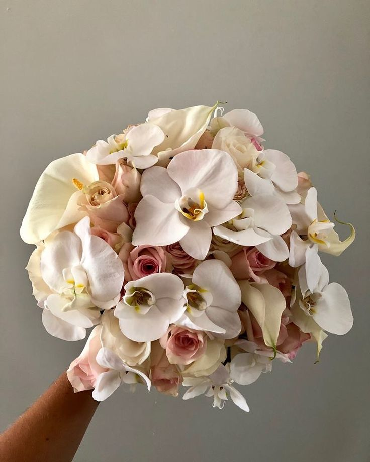 CBR490 wedding Riviera Maya orchid and light pink flowers bride bouquet/ ramo de novia con orquídeas y flores rosas