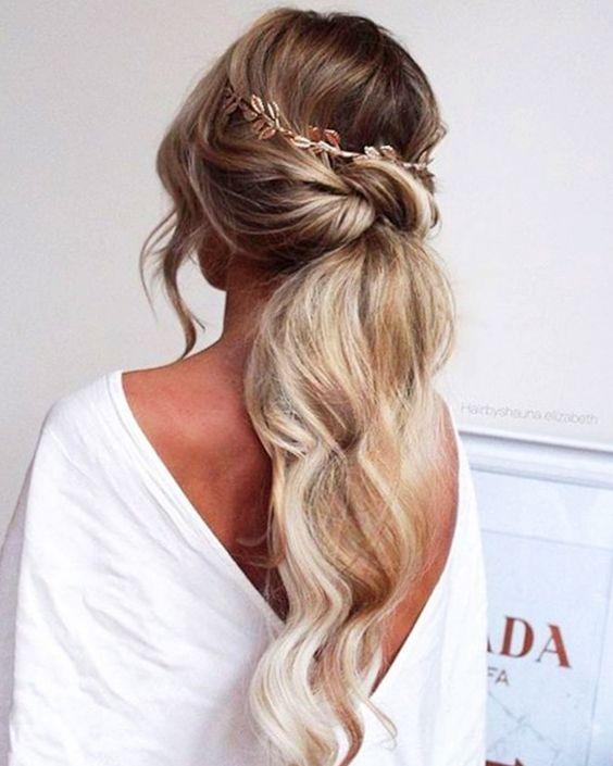 15 Populaires coiffures de mariée romantique et élégant