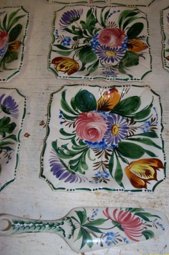 Vintage-Italy-Hand-Painted-with-Flowers-Serving-Tray-6-Plates-Sevings-Spatula