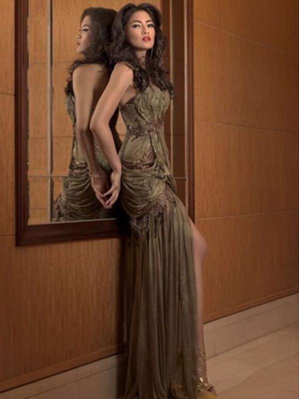 Paras cantik dari Puteri Indonesia 2015 ini tentunya didukung dengan kecantikan dari dalam dirinya sebagai wanita Indonesia. Dengan berbagai prestasi, Anindya menjadi sosok yang inspiratif. (via instagram/@anindyakputri)