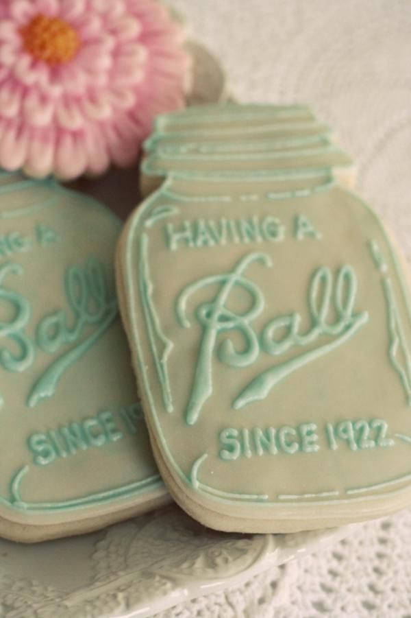 mason jar cookies with year we met, such a cute idea for a country wedding