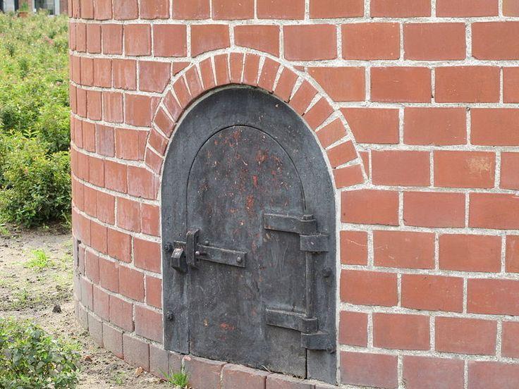 Fabrieksschoorsteen (De Tricotfabriek) in Winterswijk | Monument - Rijksmonumenten.nl