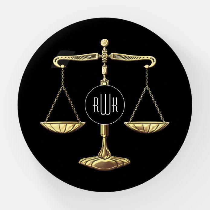 Monogram Golden Scales Of Justice Paperweight Zazzle Com Tarjetas Simbolos Abogacia