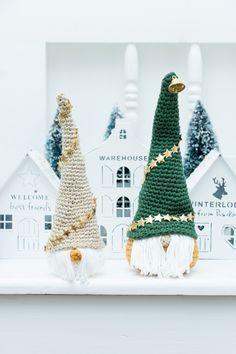 Kijk wat ik gevonden heb op Freubelweb.nl: een gratis haakpatroon van Jip by Jan om een kerstkabouter, gnoom, tomte te haken https://www.freubelweb.nl/freubel-zelf/gratis-haakpatroon-kerstkabouter-2/