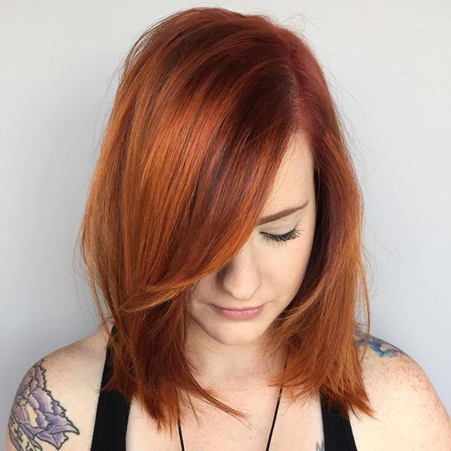 We love this dimensional red #AvedaColor from @RedBloomSalon. It's perfectly suited to the rich tones of #autumn. #haircolor