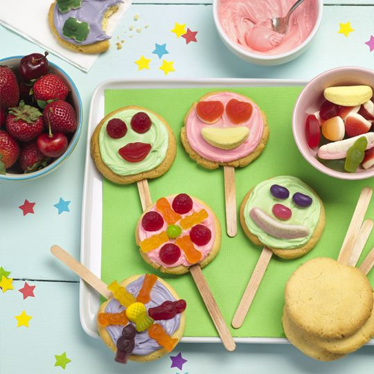 How fun are these biscuit pops? We think the kids will love them!