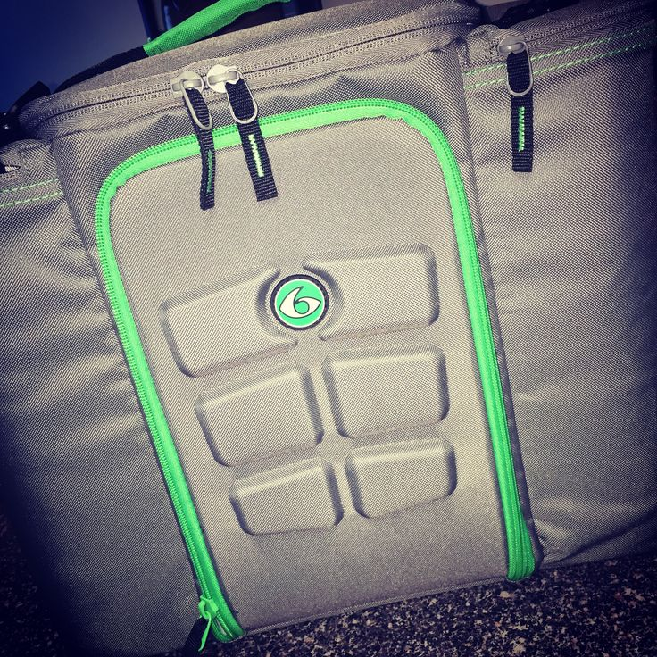 6 pack bag, 6 pack fitness. A MUST for those that travel & want to stay on track with their meals especially when prepping for a competition!