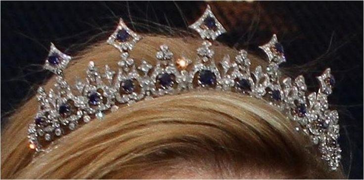 The Royal Order of Sartorial Splendor: Tiara Thursday: The Dutch Sapphire Necklace Tiara