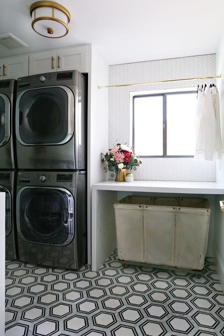 Modern Ranch Reno: Laundry Room Part 4 The Backsplash