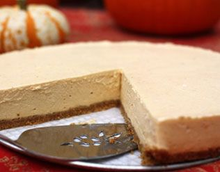 SIMPLE NO-BAKE PUMPKIN CHEESECAKE