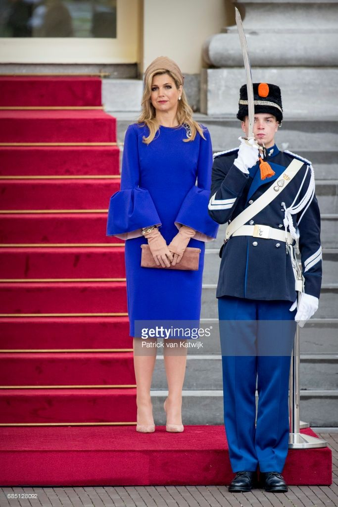Queen Maxima of The Netherlands waits to welcome President Filipe Nyusi of Mozambique and his wife Isaura Nyusi (not pictured) at Palace Noordeinde on May 19, 2017 in The Hague, Netherlands. (Photo by Patrick van Katwijk/Getty Images)