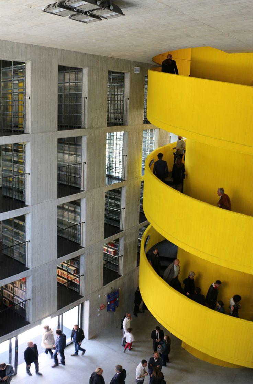 La arquitectura pública es abstracta, y arquitectura abstracta es pública | Metalocus