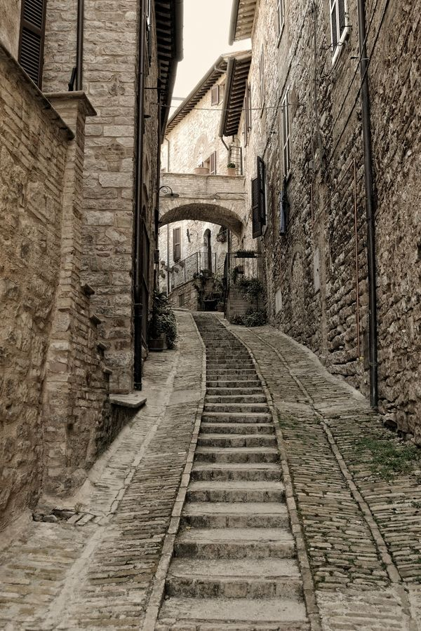 upstairs by Fabio Cappellini, via 500px: Photos, Spello Italy, Fabio Cappellini, Staircase, Italy Umbria, Photography Art, Space, Photo Elements, Photography Ideas