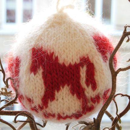 By Number 19 – Arne Carlos knitted Christmas balls #knitting #home #julekugler #felt #felting