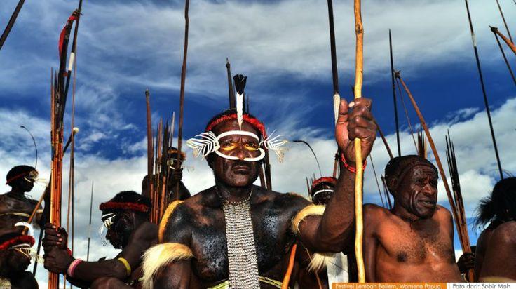 wacananusantara.org   Festival Lembah Baliem, Wamena Papua.