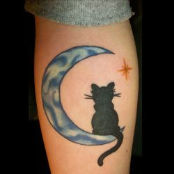 Moon Tattoo Meanings | iTattooDesigns.com