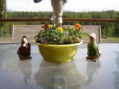 Silveraurora Shetland Sheep: Patio table umbrella planter for flowers