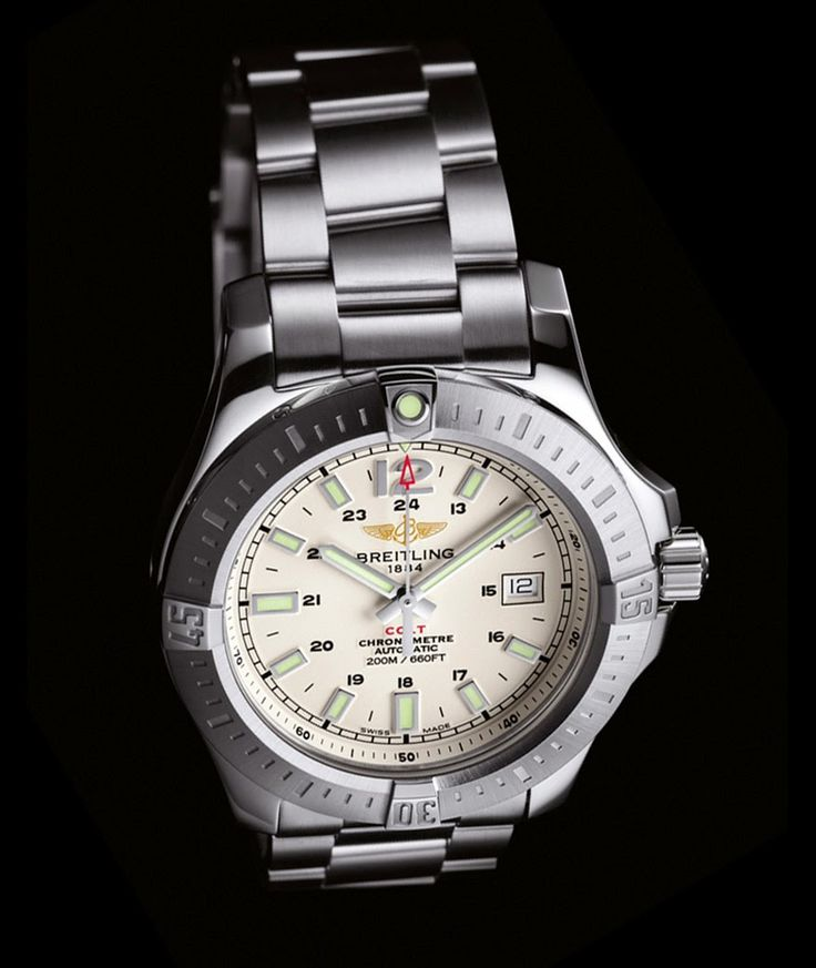Breitling Colt Automatic 2014 | silver dial http://www.timeandwatches.com/2014/08/breitling-colt-automatic-2014.html