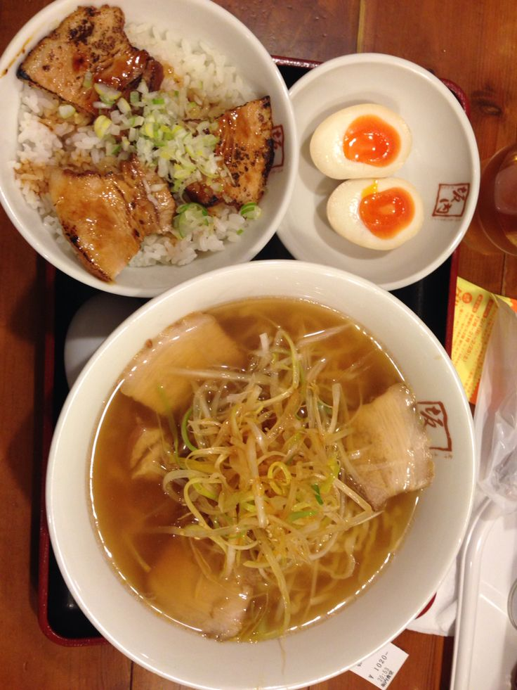 坂内食堂(京都駅伊勢丹、京都拉麺小路)。喜多方ラーメン。