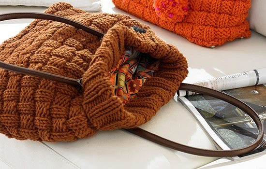 Schachenmayr Bag in chestnut - Free Knitting Pattern | Make It Coats
