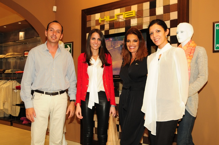 Gonzalo Vivanco, Kelly Talamas, Jessica Newton y Karen Neves