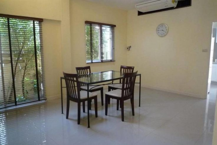 5BR Townhouse For Rent (BR8604TH) This 5 bedroom, 5 bathroom Bangkok townhouse is now available for rent at 65,000 Baht