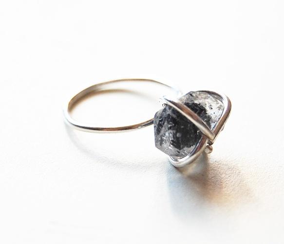 quartz prong ring | giant lion