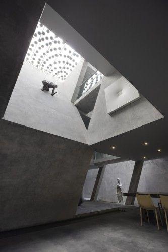Studio Cahaya by Adi Purnomo/Mamostudio