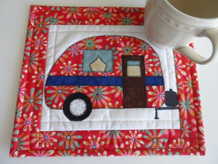 Retro camper mug rug, snack mat, vintage camper mini quilt, applique mini placemat, quilted trailer mug rug, glamping,  quiltsy handmade by SusansPassion on Etsy