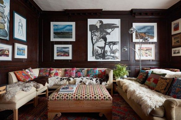 Pin On Beautiful Homes Queen anne living room ideas