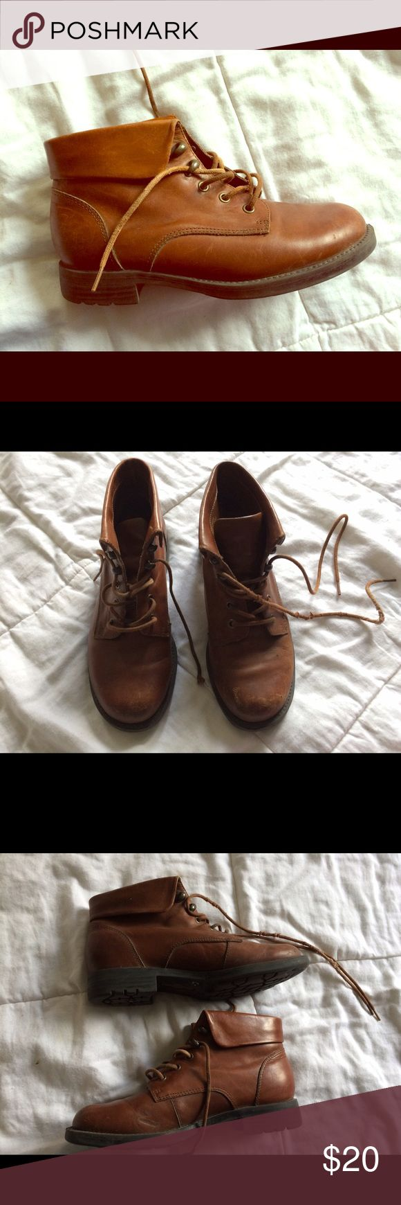 Earth Shoes Ankle Boots Earth Shoes Boots in decent condition - well used and super cute! Earth Shoes Shoes Ankle Boots & Booties