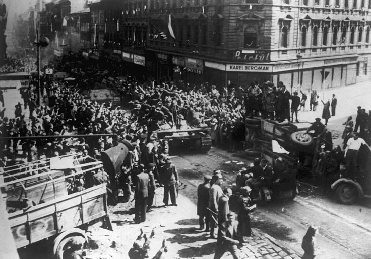 Residents and fighters of Prague Uprising greet Soviet tanks and troops during the liberation of the city as part of the Prague Offensive, May 1945. This Day in History: Mar 15, 1939: World War II - Nazis take Czechoslovakia http://dingeengoete.blogspot.com/