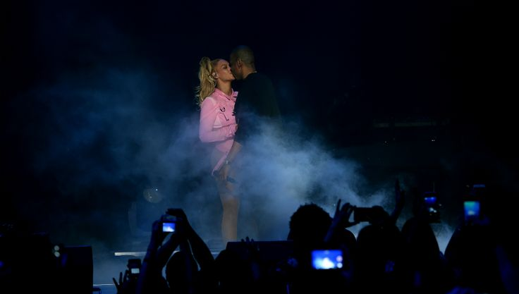 Jay Z Makes Romantic Gesture For Beyonce As Divorce And Pregnancy Rumors Swirl  Read more at: http://www.inquisitr.com/2778310/jay-z-makes-romantic-gesture-for-beyonce-as-divorce-and-pregnancy-rumors-swirl/  #jayz #beyonce #divorce #pregnancy #rumors