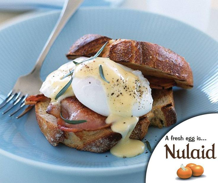 Enjoy the weekend with this classic breakfast dish - a 5-star eggs benedict recipe. For the full recipe, click on the link - http://ablog.link/8S2. #Nulaid