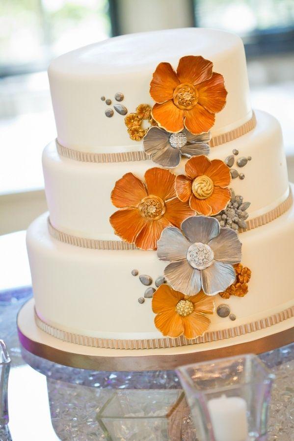 Orange and gray floral wedding cake by We Bake in Heels | Dastan Studio | Rubies and Ribbon