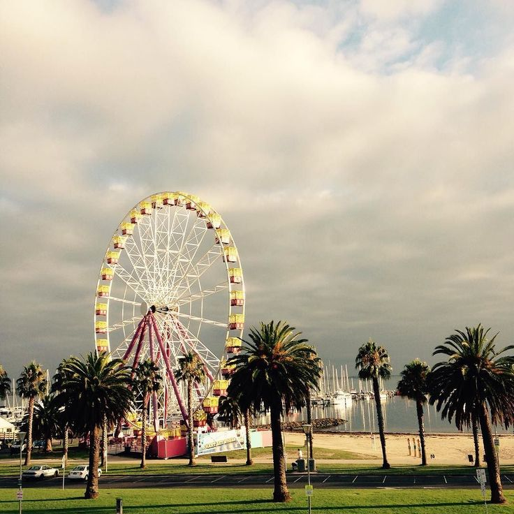 Glorious Geelong morning #geelong #geelongwaterfront #ferriswheel by skelski http://ift.tt/1JtS0vo