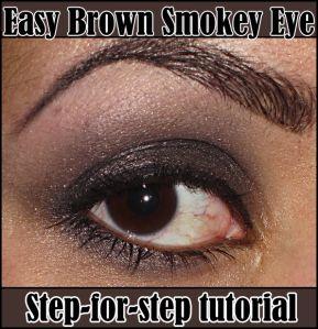 Oogschaduw, hoe moet dat? Ik weet dat er veel meiden zijn die volop oogpotlood en mascara gebruiken, maar ook graag eens een keer oogschaduw willen gebruiken om bijvoorbeeld smeulende smokey eyes tecreëren. Zelf ben ik pas sinds 3 jaar écht into oogschaduw, dus ik snap julliedilemma. Hoe begin je? Lees hieronder mijn stap-voor-stap foto tutorial die jullie hopelijk een stukje op weg kan helpen. We beginnen met een naked eye. Alle make-up is verwijderd en de wenkbrauwen zijn eventueel…