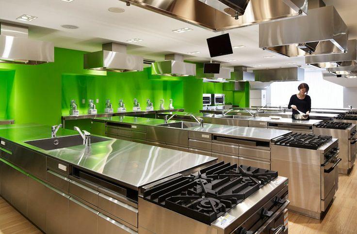 emmanuelle moureaux architecture: technical chef college.// Yo quiero mi Cocina 10 así.  =)