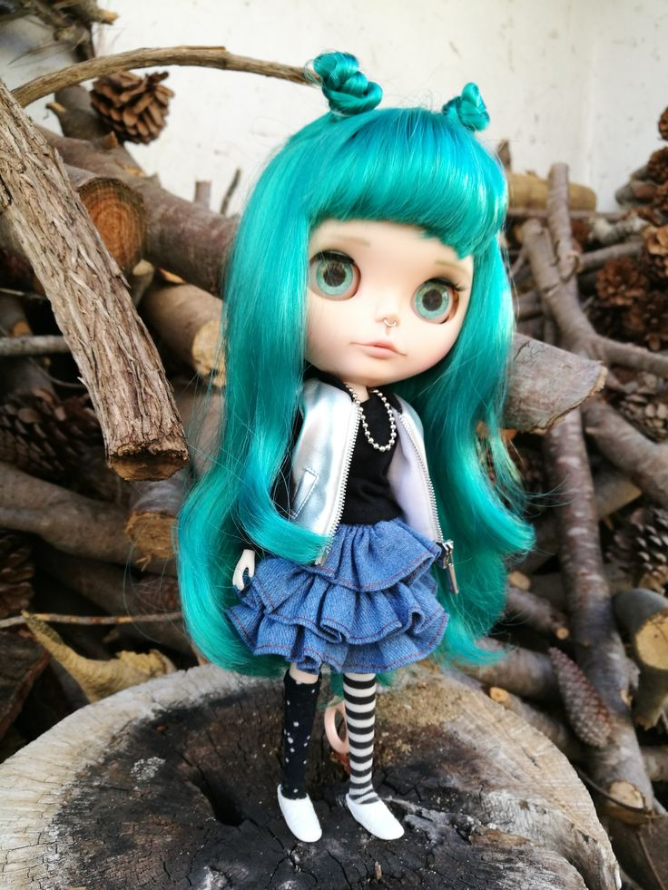 Vicky. Custom Eve´s dream shop. more in facebook www.facebook.com/... #Blythe #blythedoll #customblythe #greenhair #evesdreamshop  #rock