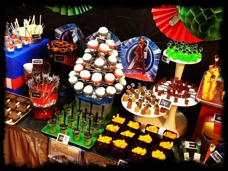 Avengers Dessert Bar by PAPEL COUTURE | Flickr - Photo Sharing!
