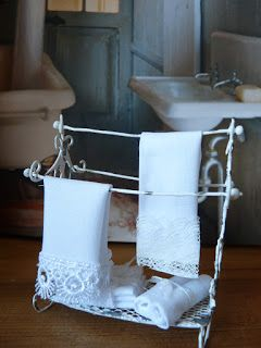 How to make a brocante towel rack for dollhouse of iron wire scale 1:12