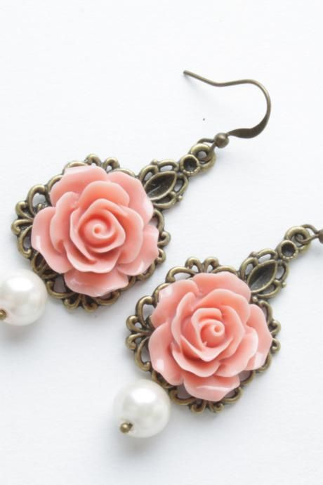 Rose earrings - vintage style earrings - Salmon roses and pearl - shabby chic earrings - flower dangles - salmon jewelry