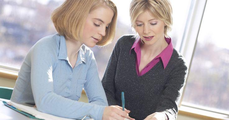 ¿Cuál es el significado de aprendiz?. Hoy en día, el término de aprendiz se define como una persona que continúa su educación mediante un entrenamiento de trabajo con un maestro de su campo. El término de entrenamiento e internado se utilizan de manera intercambiable.