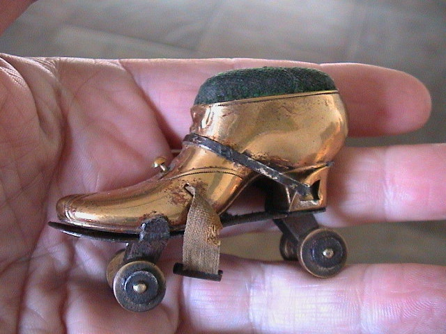 Roller skate pin cushion and tape measure