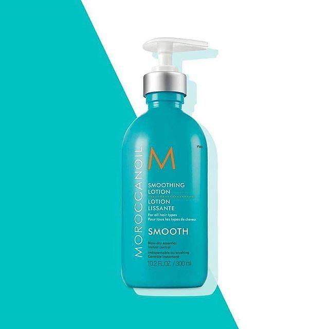 ¿Humedad? No problem! La Loción #Smooth de #Moroccanoil combina todos los beneficios de los productos Moroccanoil de mayor venta incluyendo el nutritivo aceite de argán, mantequilla de #argán, Vitamina E, y ácidos grasos esenciales que dejan el cabello acariciable, suave y manejable. Su fórmula ligera proporciona fijación media y definición mientras controla el #encrespado y resiste la humedad logrando un #cabello lujosamente suave. ✔www.llarco.es