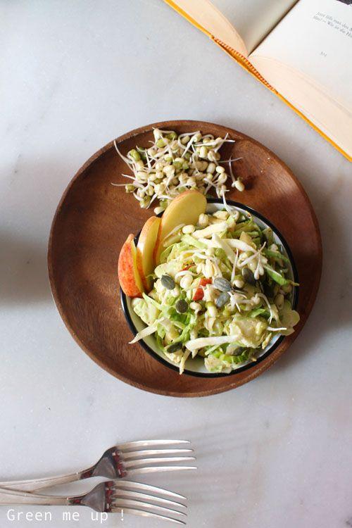 Coleslaw de choux de Bruxelles, panais et graines germées et mayonnaise à l'amande - VEGETARIEN | Green me up ! - Cuisine bio végétale, écologie du quotidien